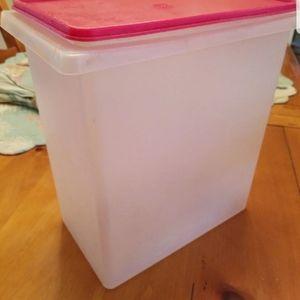 Tupperware Pet Storage Container